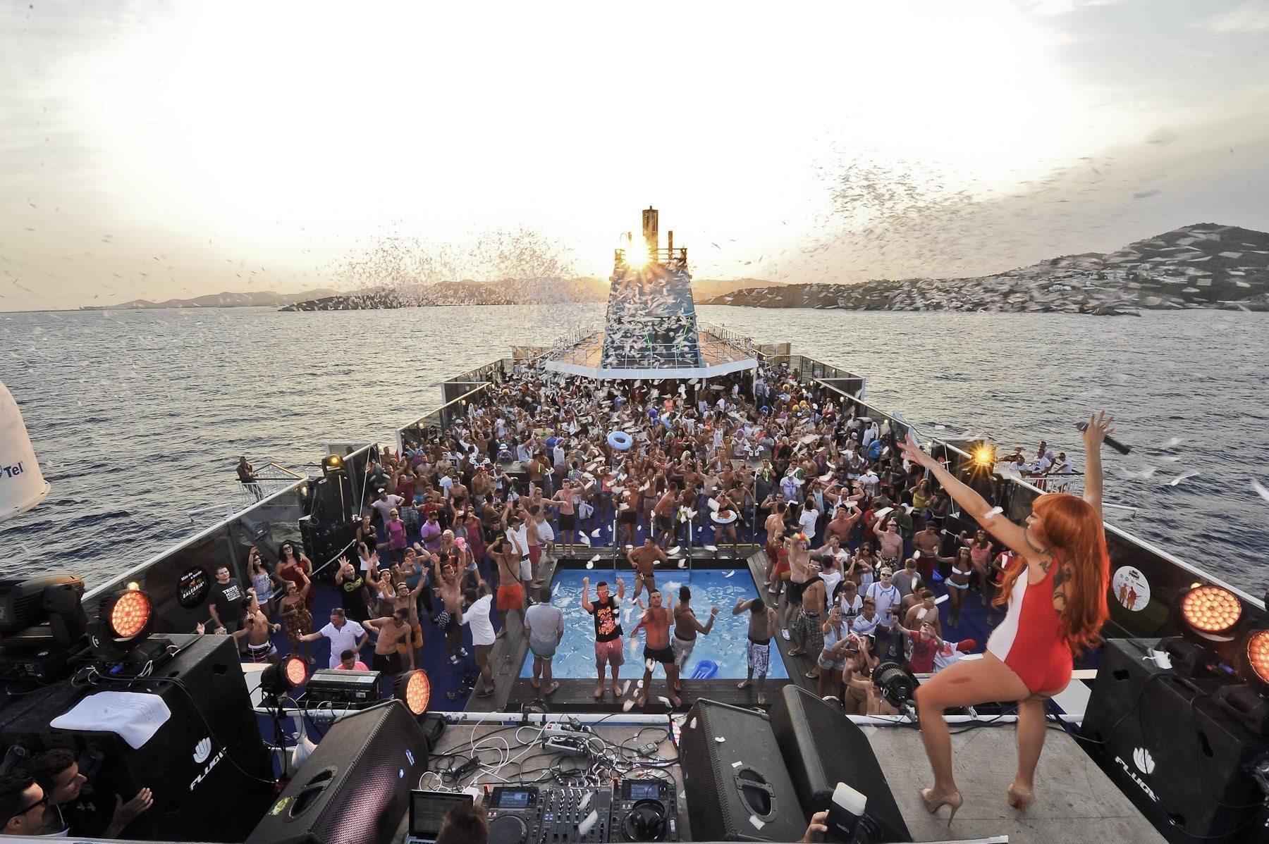 Fiesta en el barco